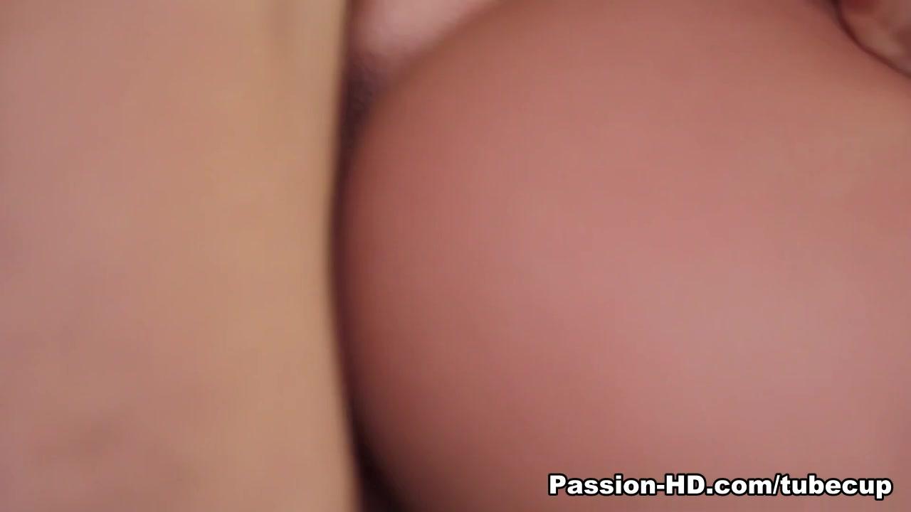 busty cougar threesome orgasms Porn pic