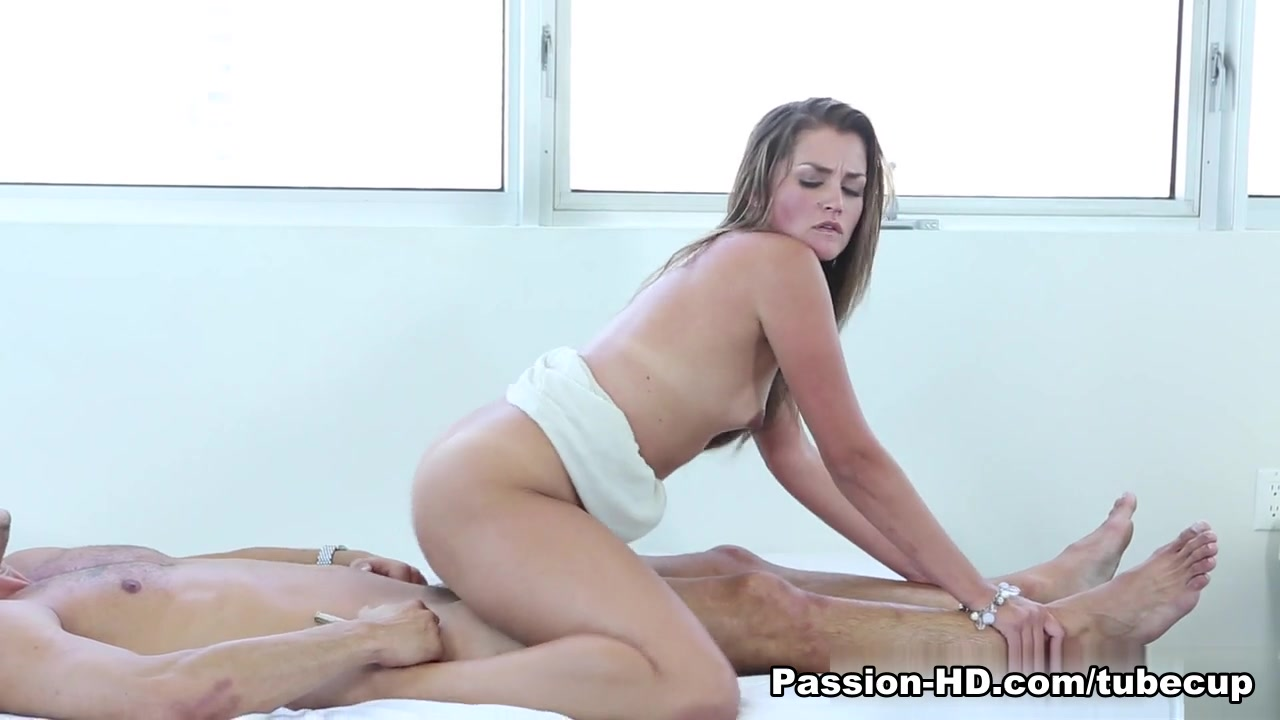 Porn Pics & Movies Free real home sex