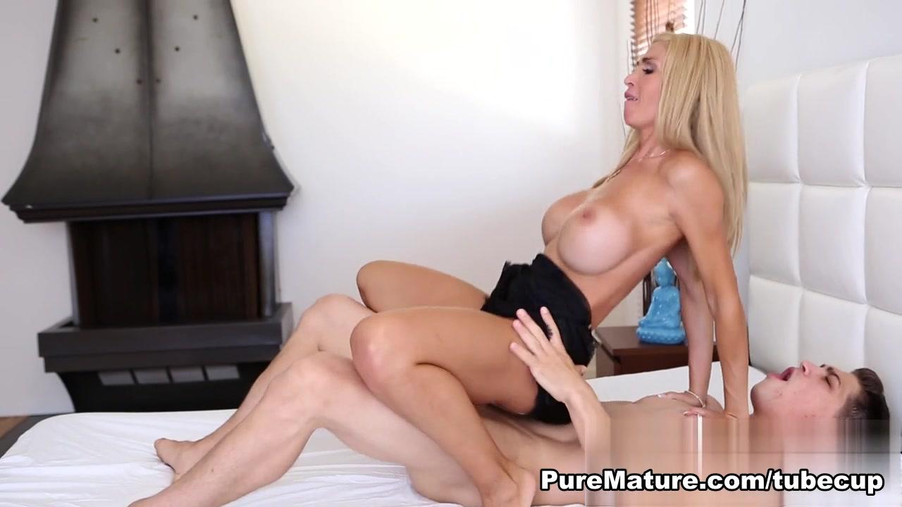 Lesbian babes show their hot viginer Adult Videos