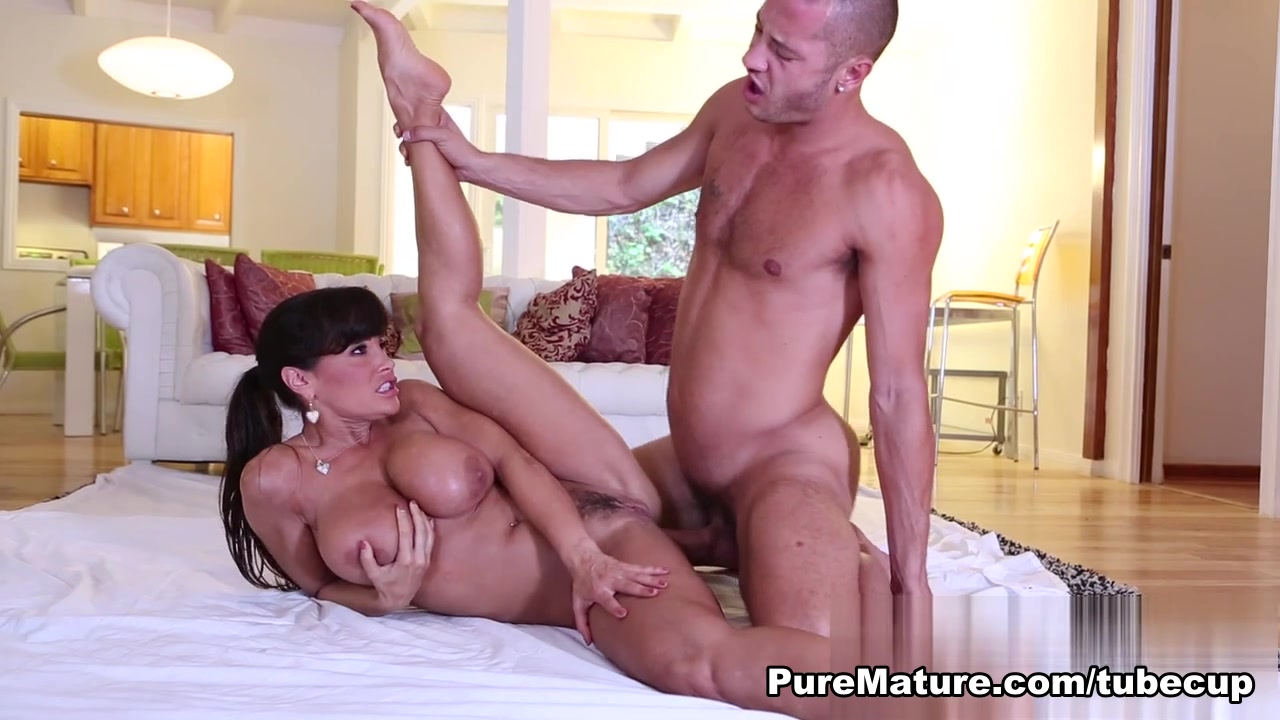 Sexy por pics Xvideos bbw mature gives gumjob to bbc favorite list