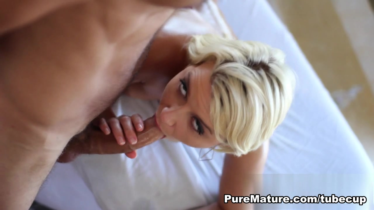 Fabulous pornstar Anikka Albrite in Exotic MILF, Medium Tits xxx clip Do women prefer to flash pussy or tits