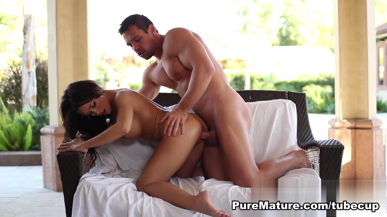 XXX Video Pretty curvy girls