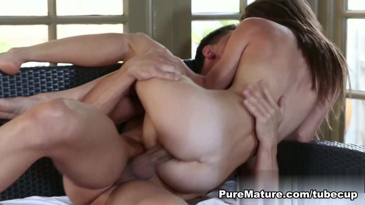 Stocky gay men Porn Pics & Movies