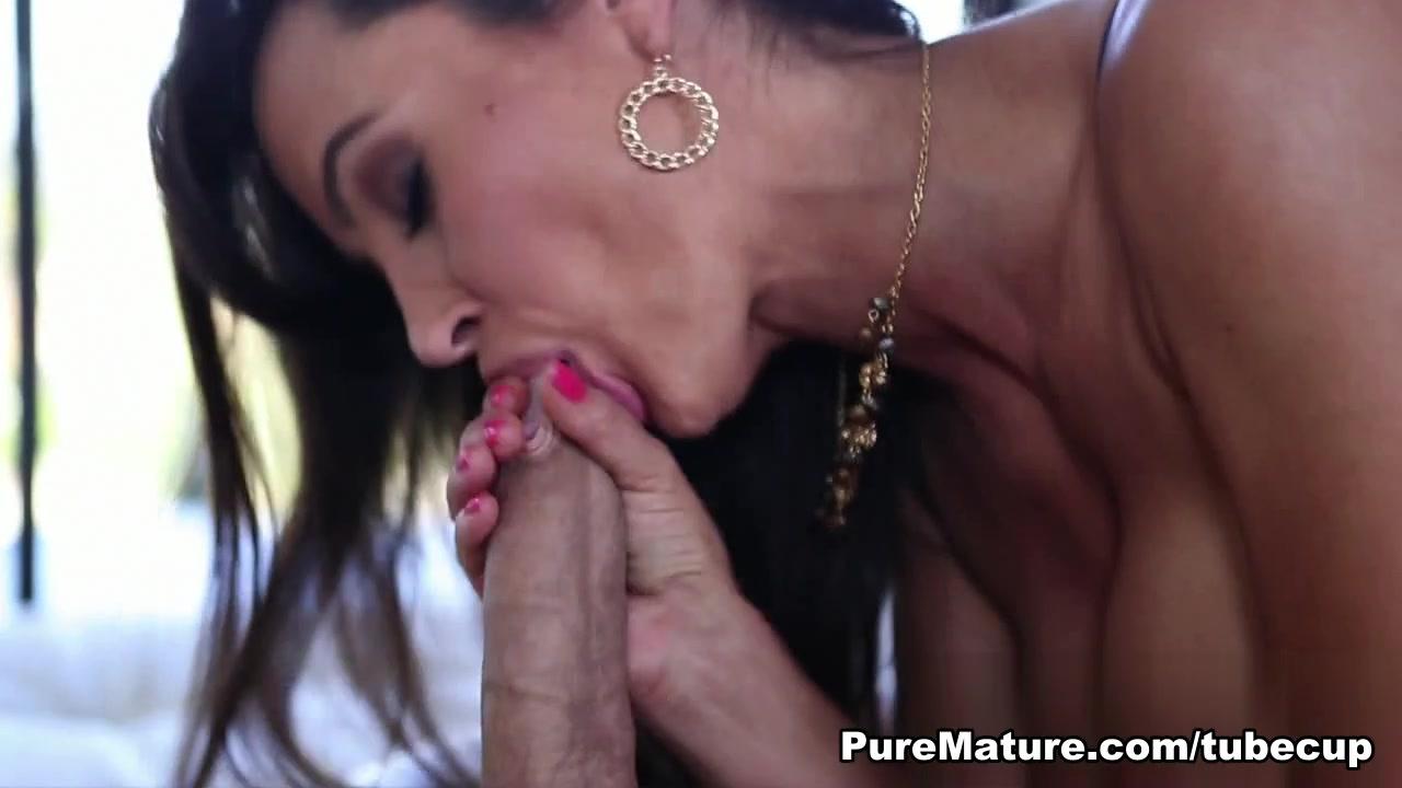 Sex photo Mature porn bound gallery