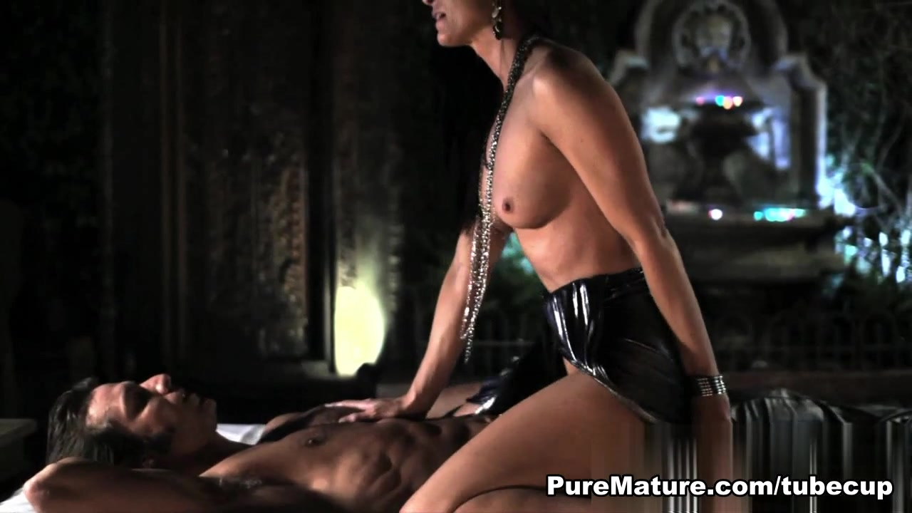 Difference between bigamy and polyandry dating Porn clips