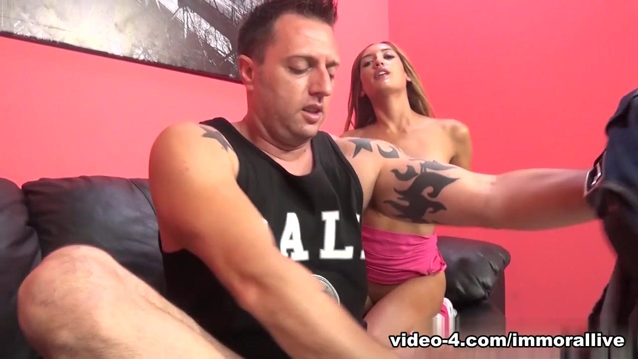 Hot Nude Big tit bbw take a shower