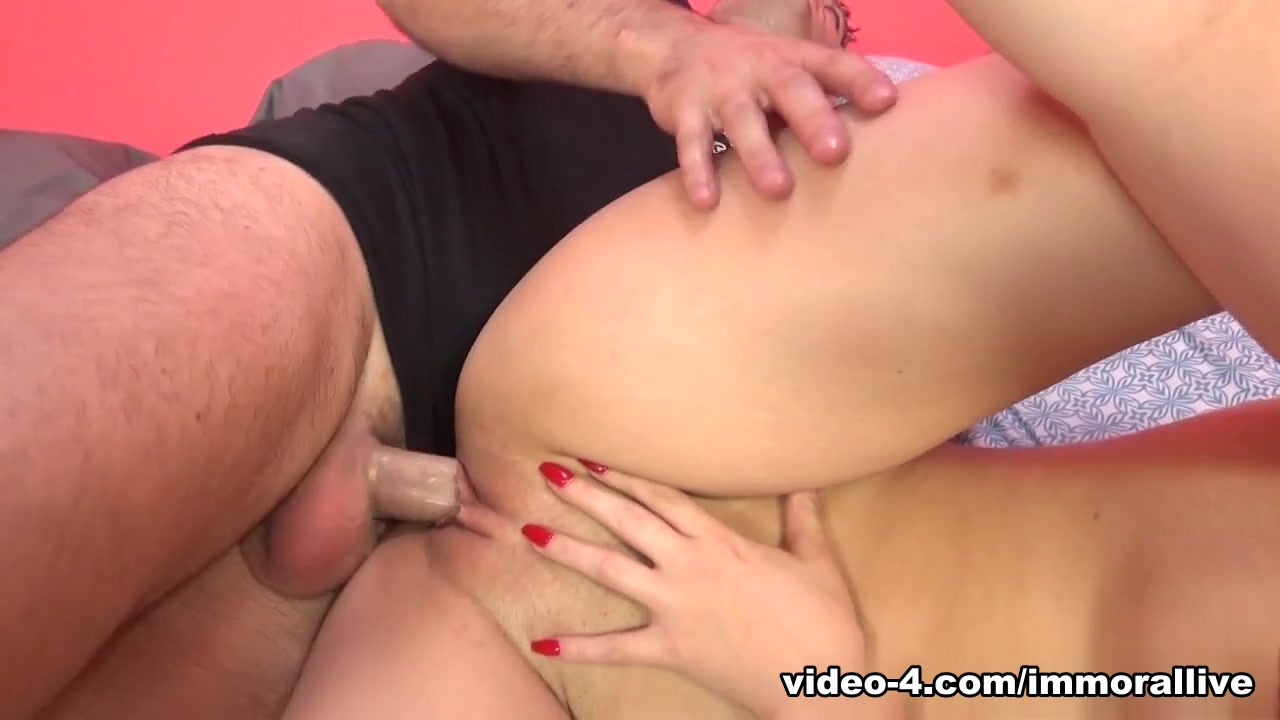 Sexy big booty latina lesbians xXx Pics