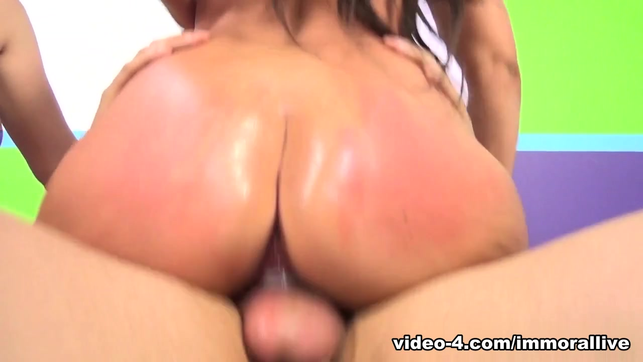 Naked Galleries Mature slut get pussy spanked