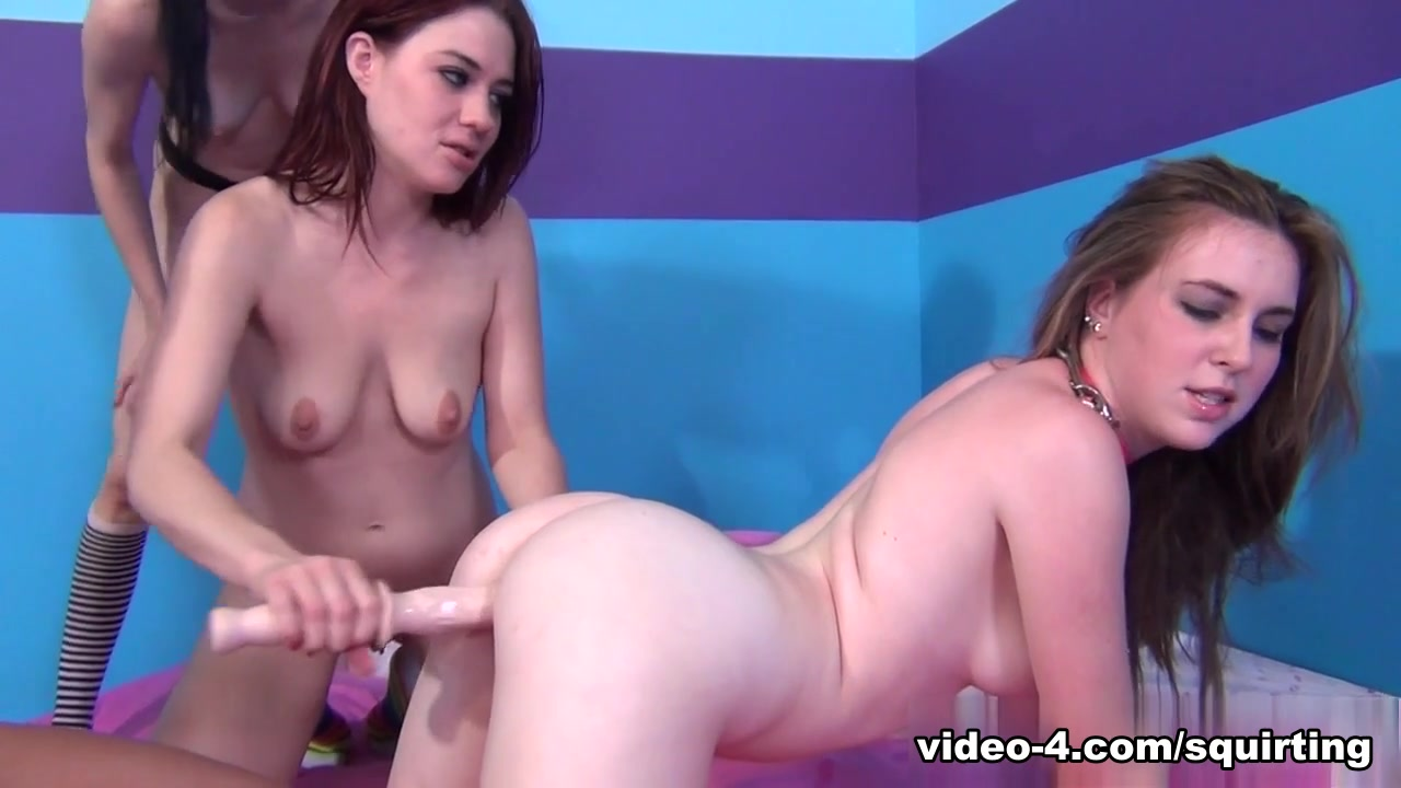 Porn pic Hot mom fucking her slut