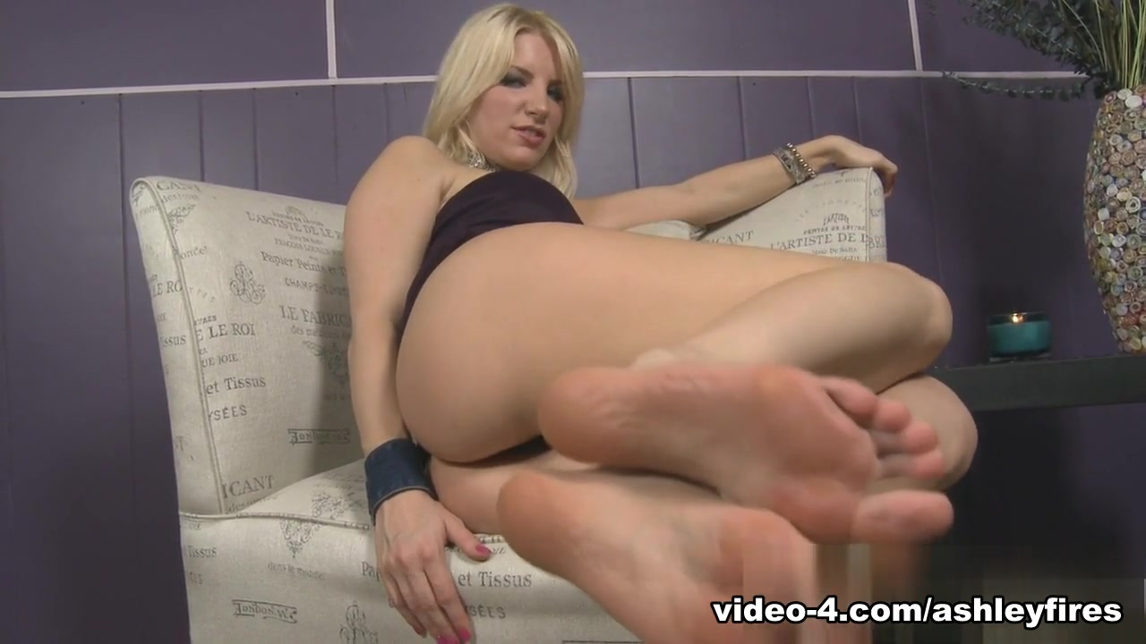 Porn tube Busty blondes nude pics