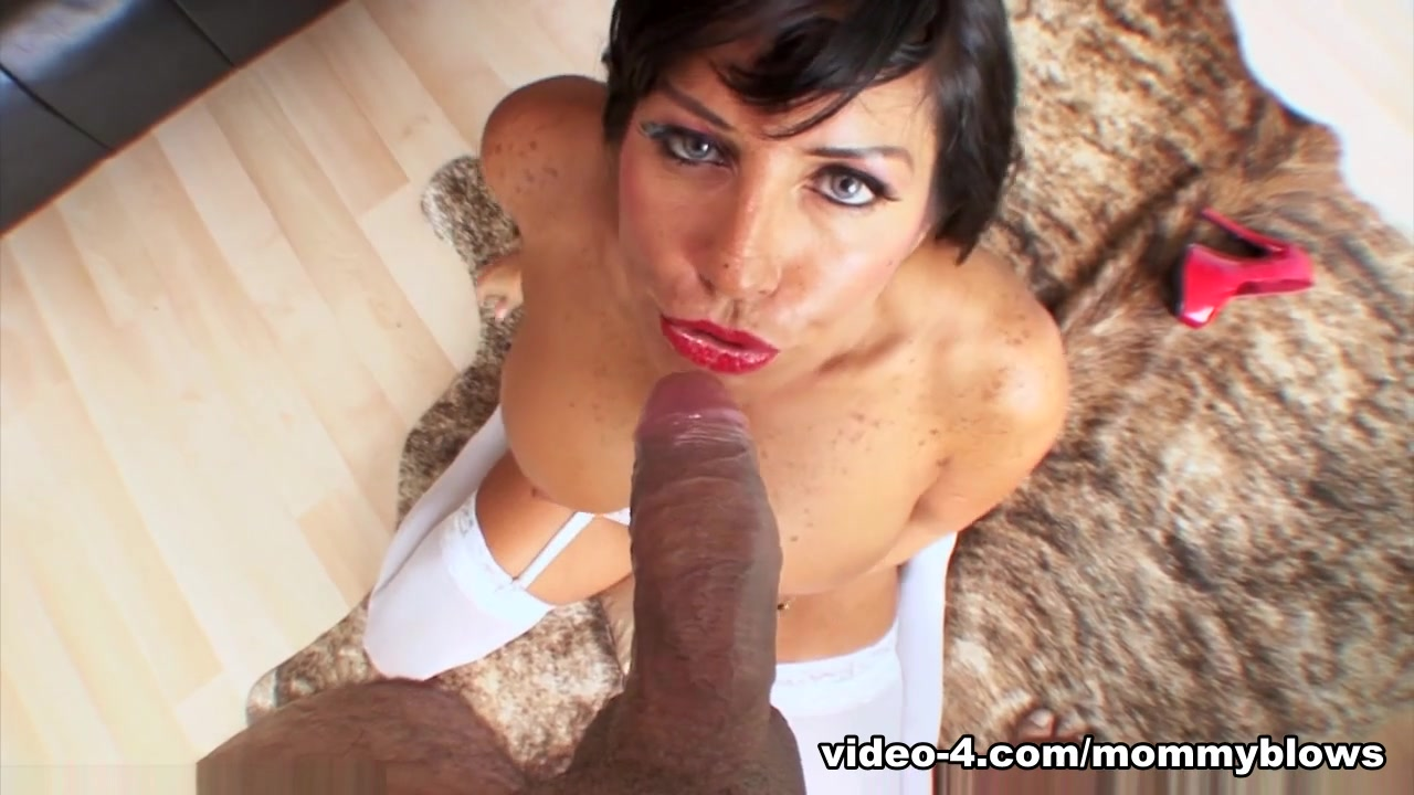 xXx Galleries Deep finger fucking