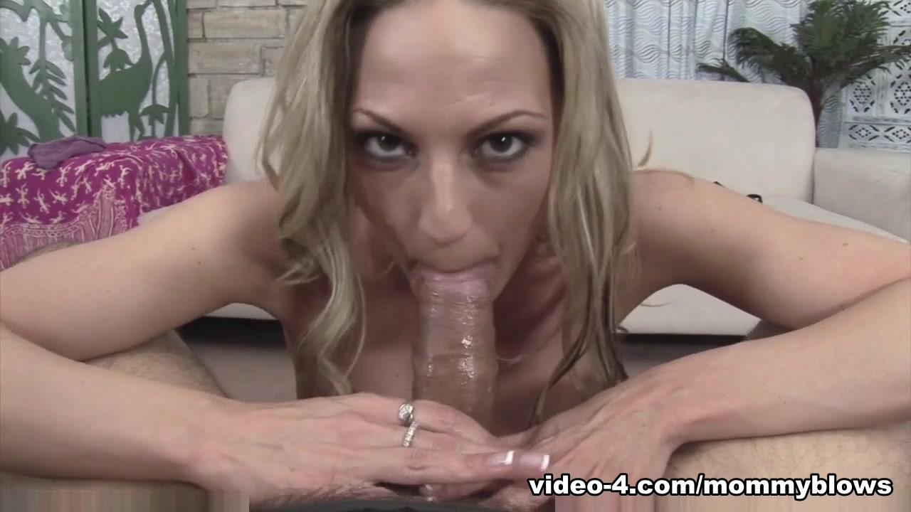 Hot Nude Ragdolling her on his cock