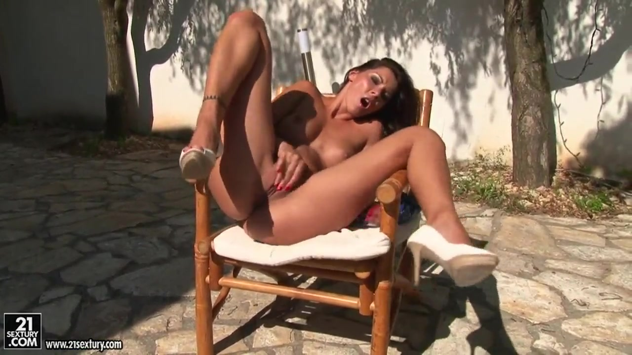 Saw her masturbate Sexy xxx video