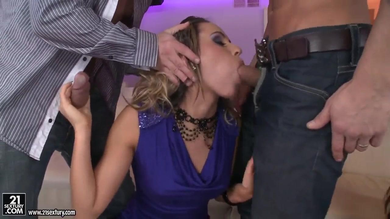 Porno photo Chinese girl kiss girl