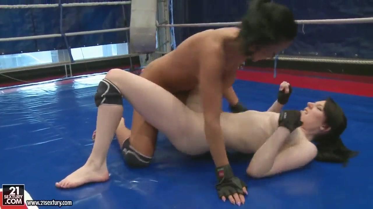Lesbos sexes orgy Brunettes
