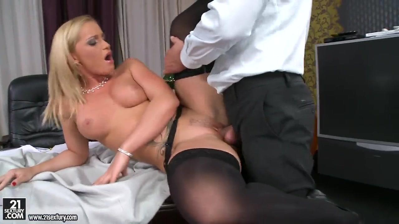 Kathia Nobili in stockings is giving deepthroat Chubby mature granny