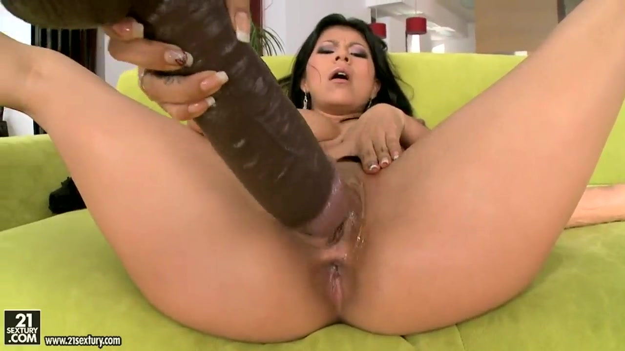 Sexy Video Wife fill her up with black cum
