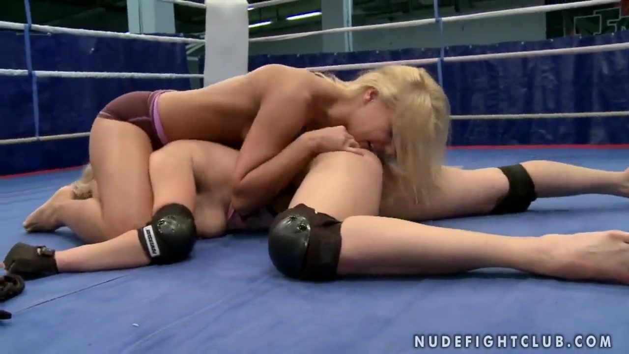 Lee Lexxus and Nikky Thorne wrestling in panties Tanlined ass