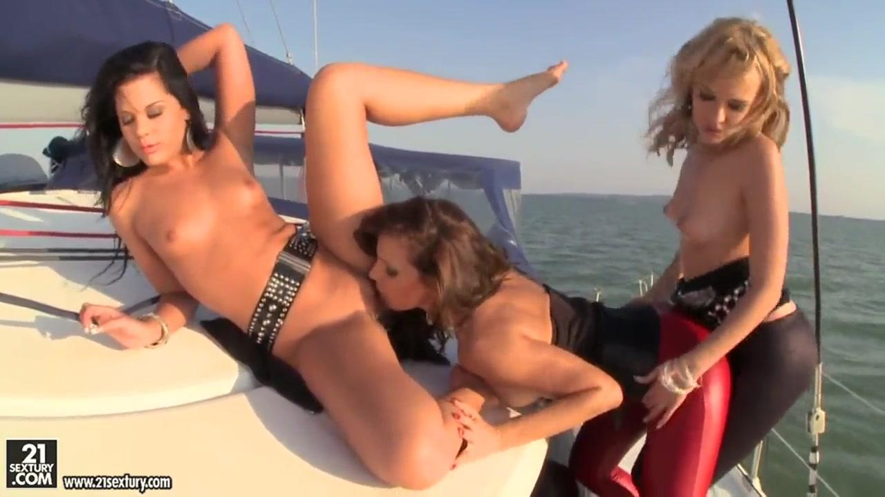 Porns xxx lesbiian Nylon