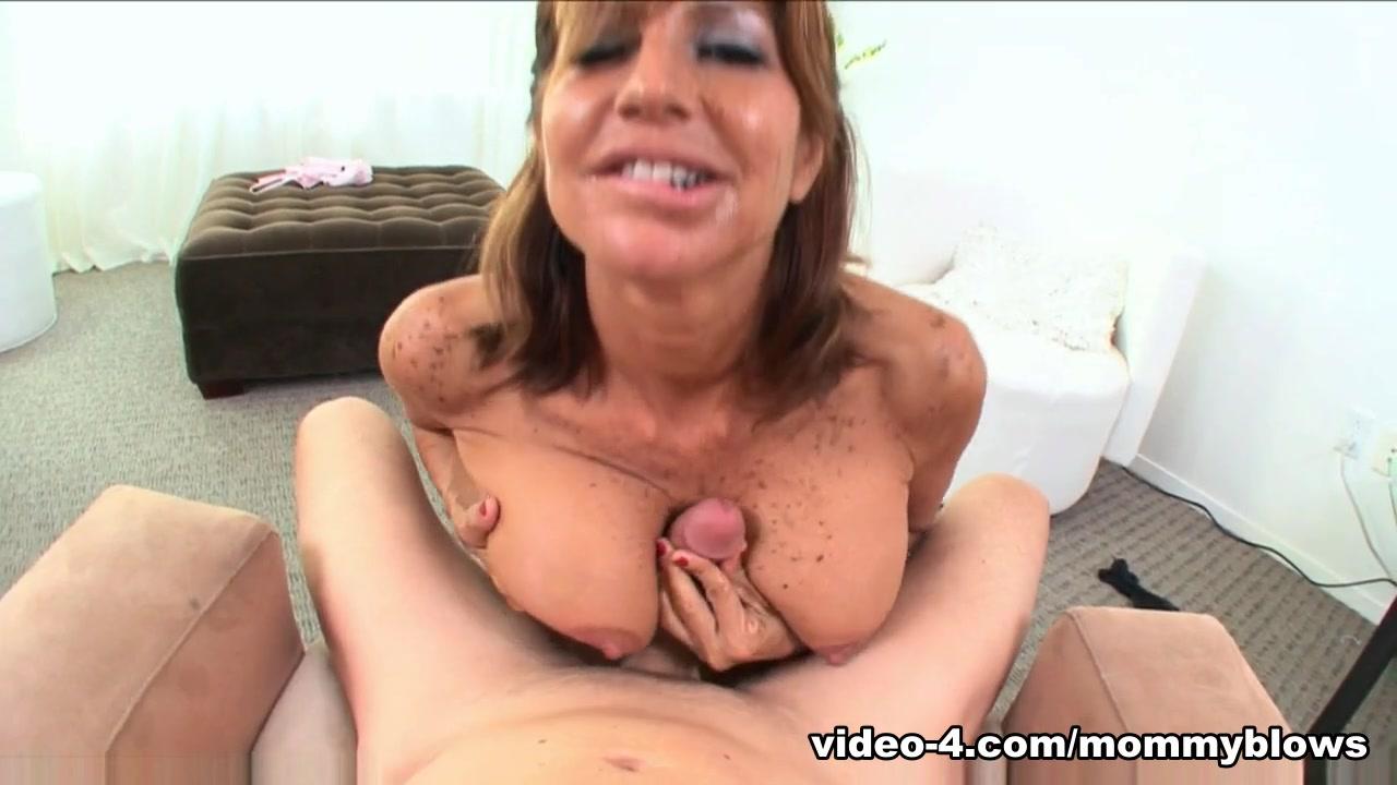 weaver fleece breast collar Porn Pics & Movies