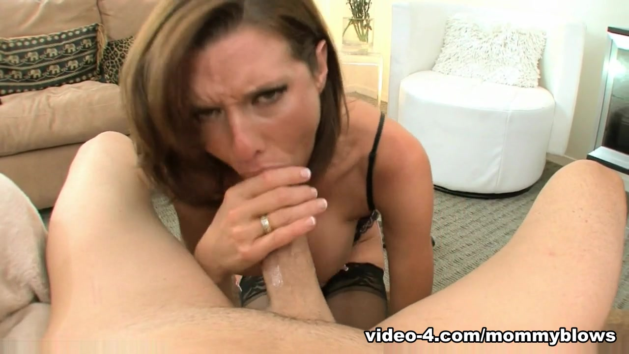 Bitch on a leash facefucked by a fat man Sexy Video