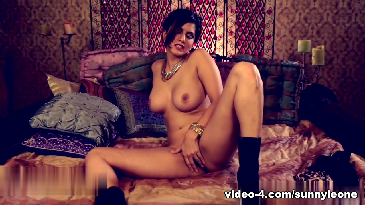 Porn galleries Julia nickson nude