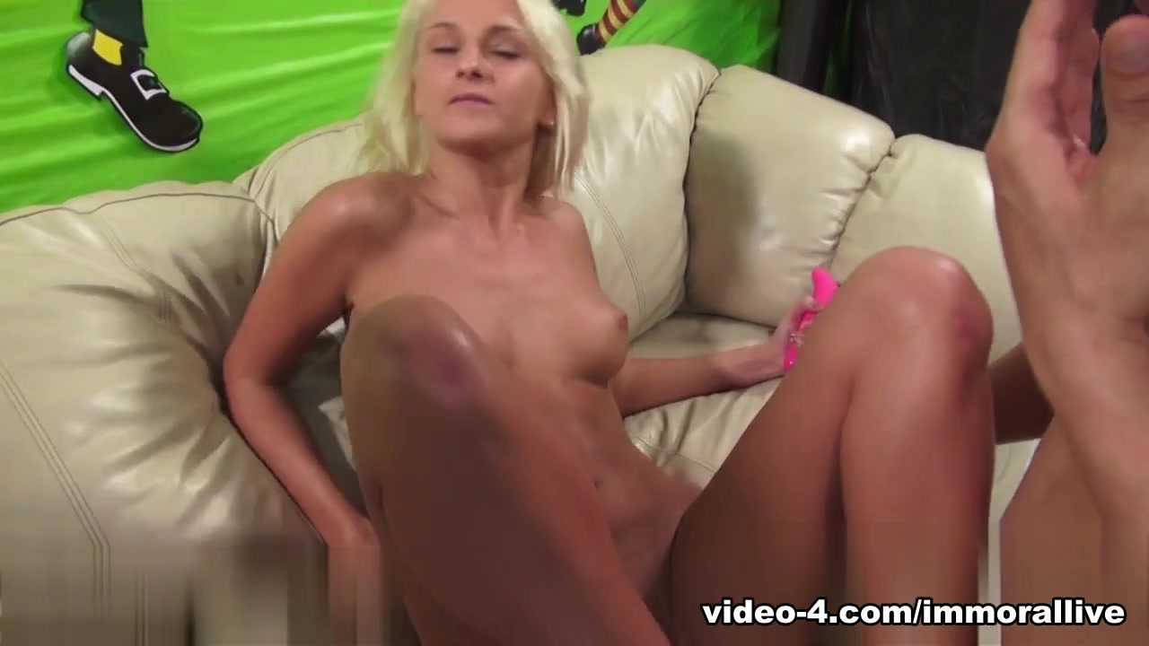 Porn Base Sexy mature women in pantyhose