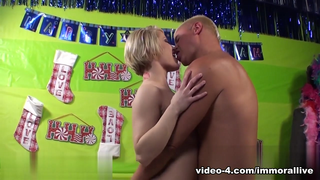 Nude gallery Submissive husband foot fetish