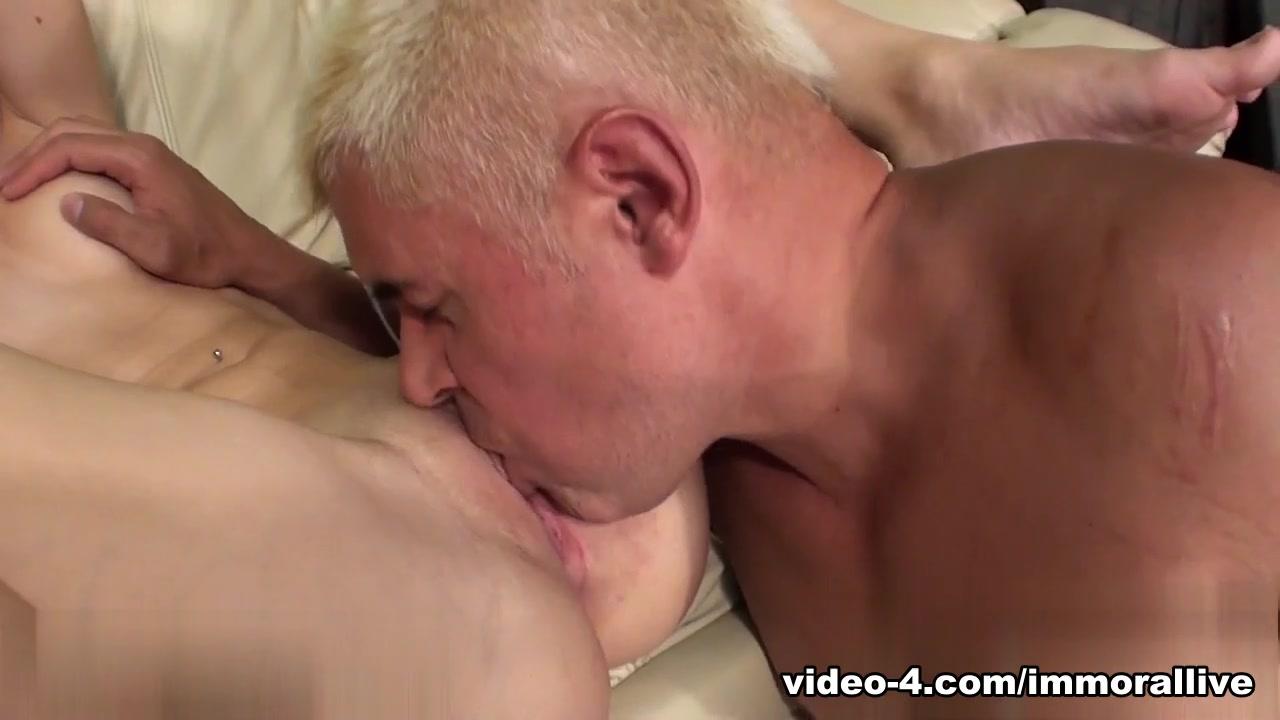 Best porno Porn girl fucks in skin tight leather