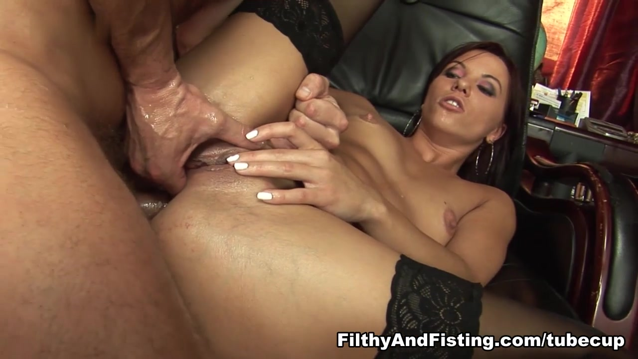 New xXx Video Messy terri hand job