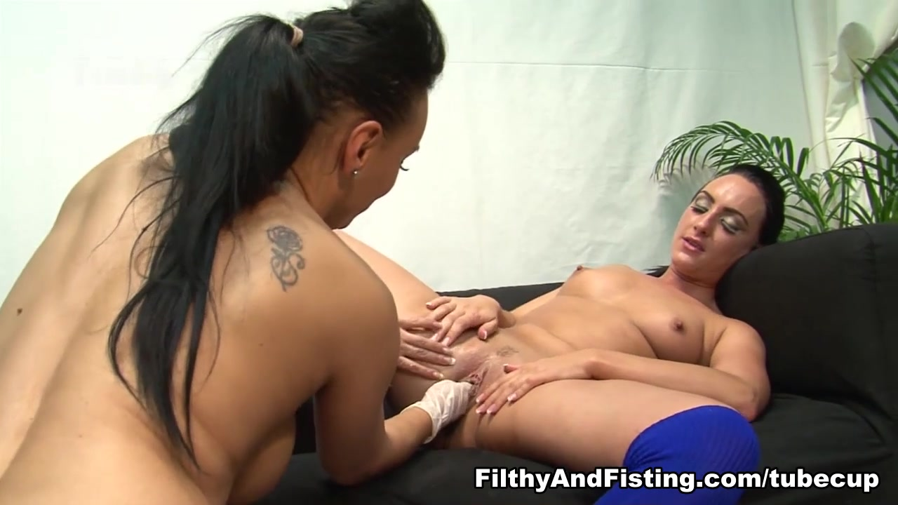 Sexy lesbian foot sex Sexy Video