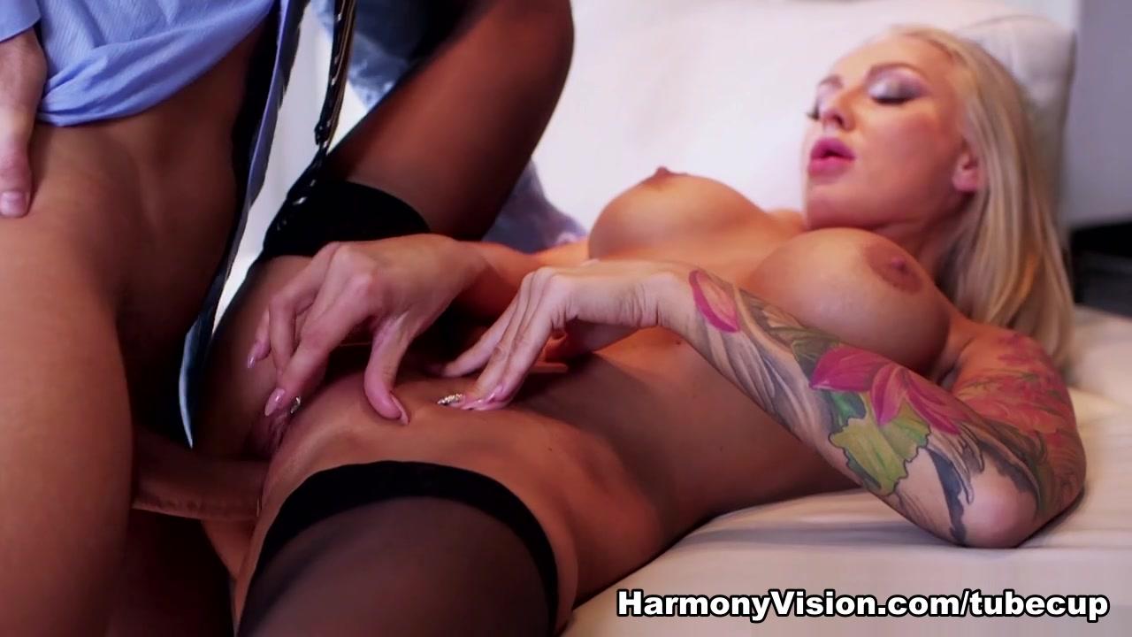 Femdom handjob by busty milf Nude Photo Galleries