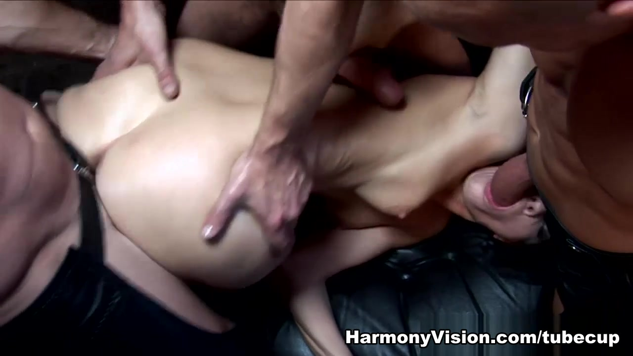 free dl gay porn Naked Pictures