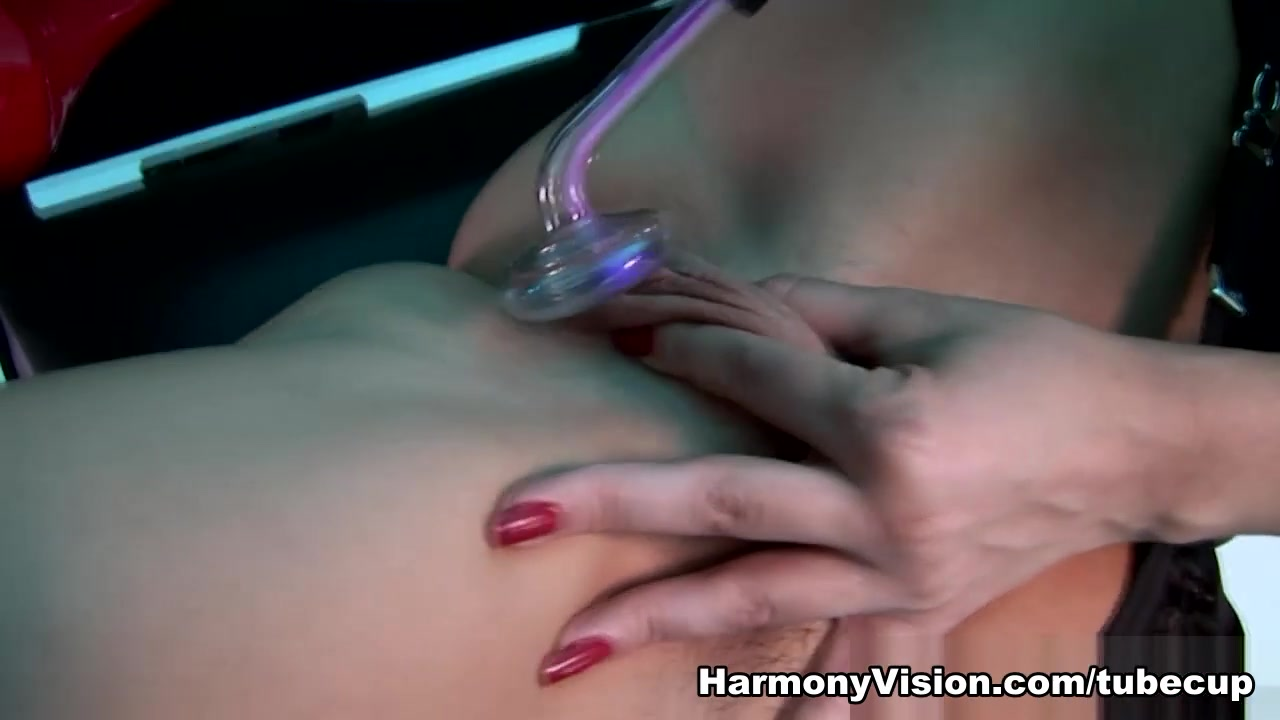 XXX Video Naked fat sexy ladies