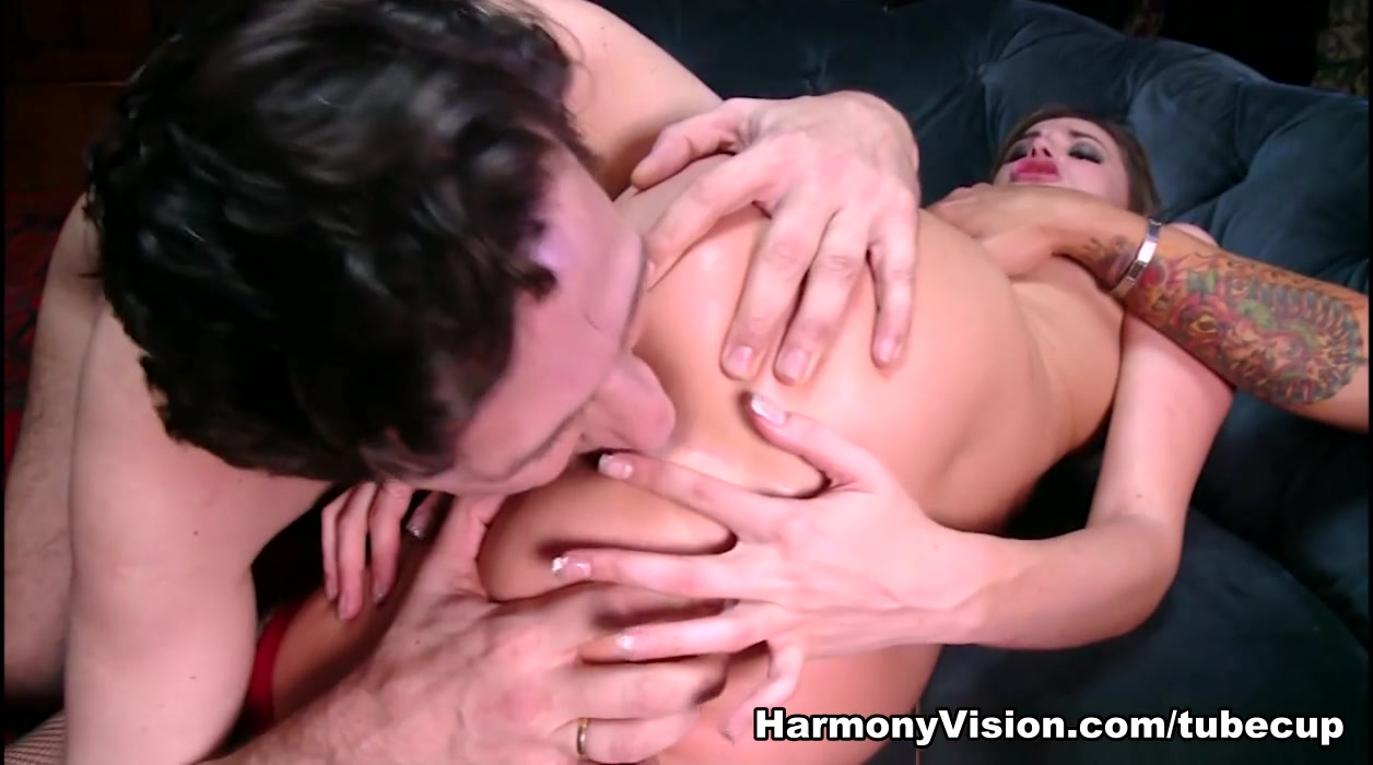 XXX Video Naked people sucking each other