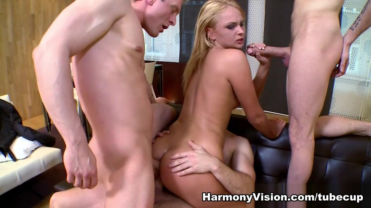 Red tube threesome sex vids Porn FuckBook