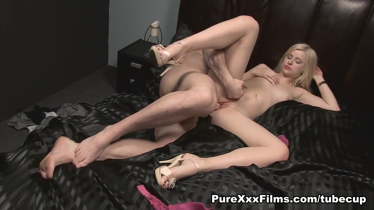 Sexy xxx video Gay men in love