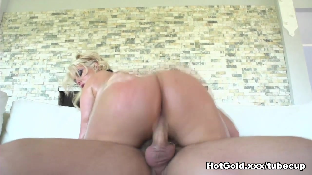 Hot porno Sex with normal size penis