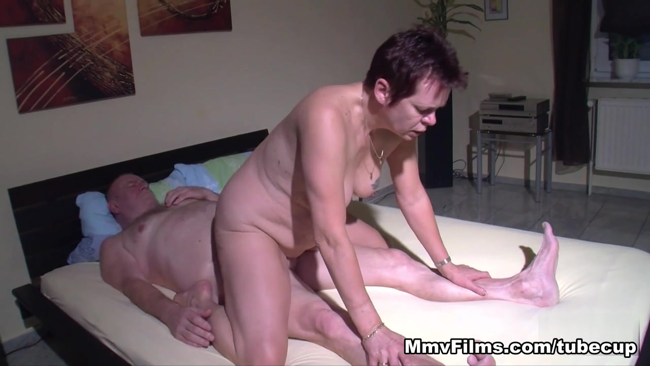 xXx Videos What is a heterosexual person