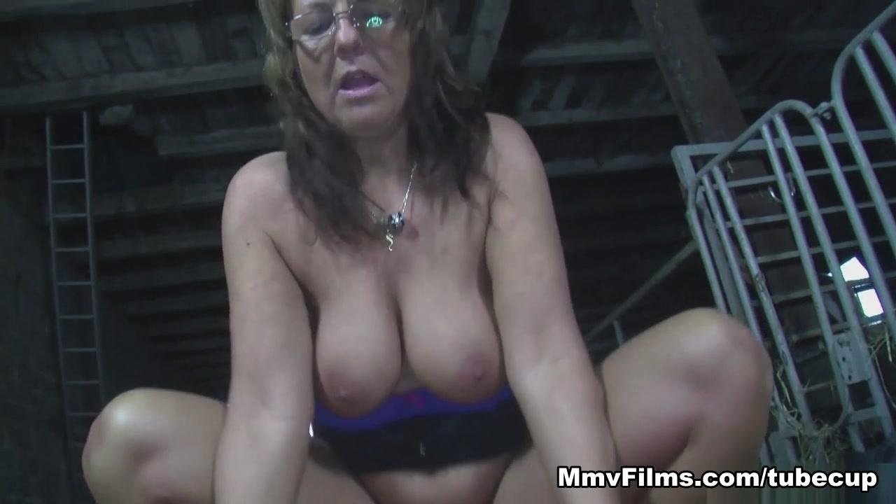 Sex grany Nude pics