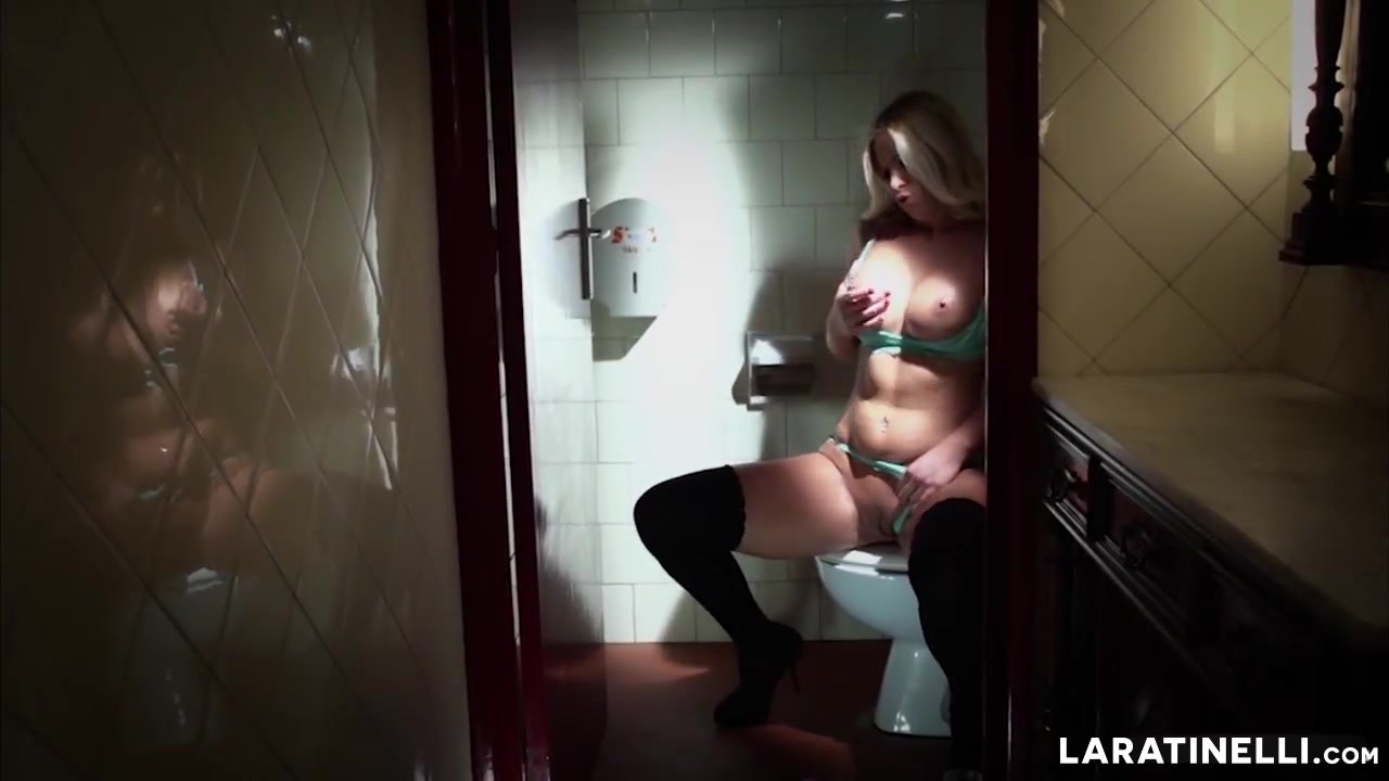 Nude gallery Hot milf huge tits takes a facial