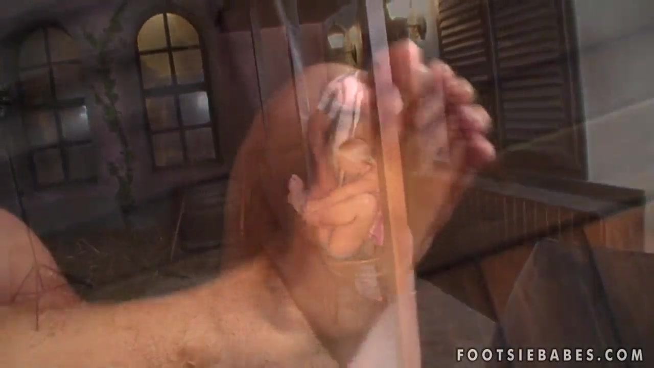 Naked Gallery People down
