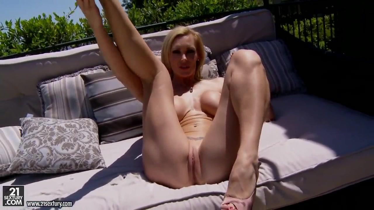Pics girls legs open