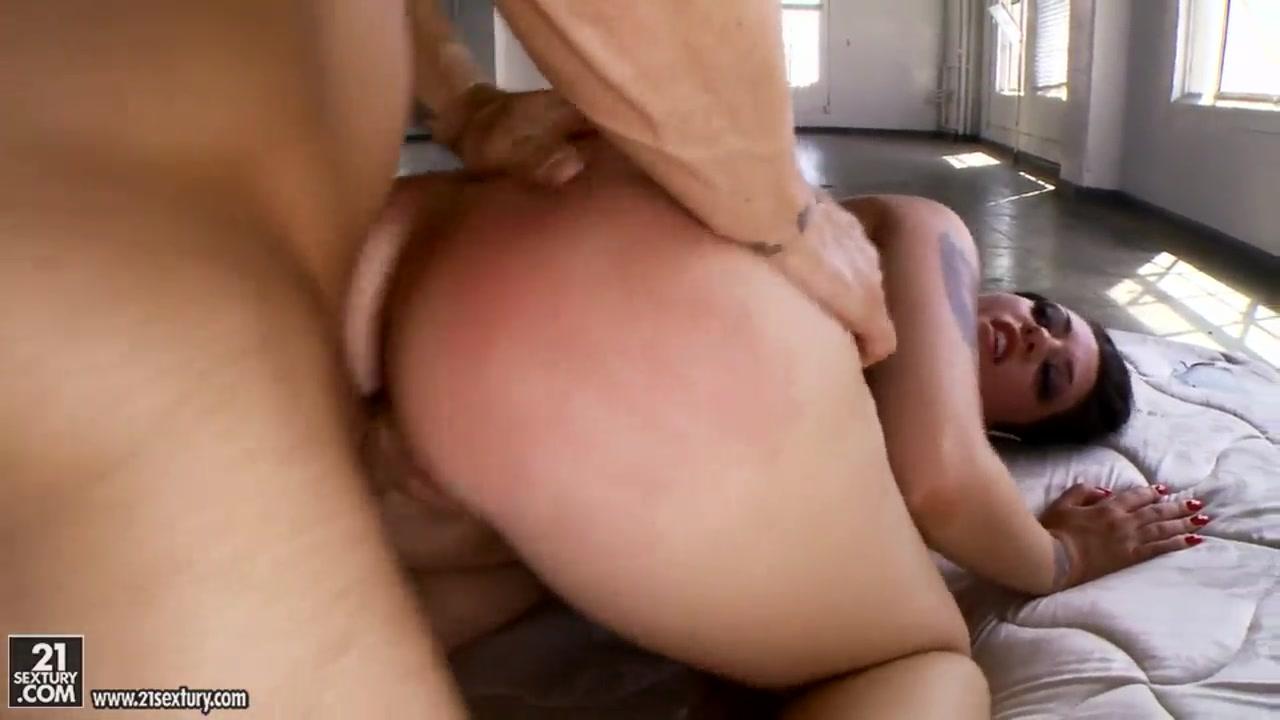 Hot Nude Tiny girl big cock nude sex