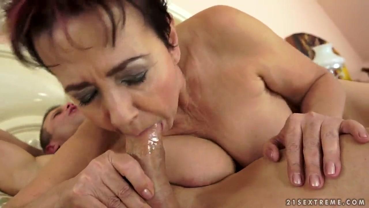 XXX Video Women 50 having sex
