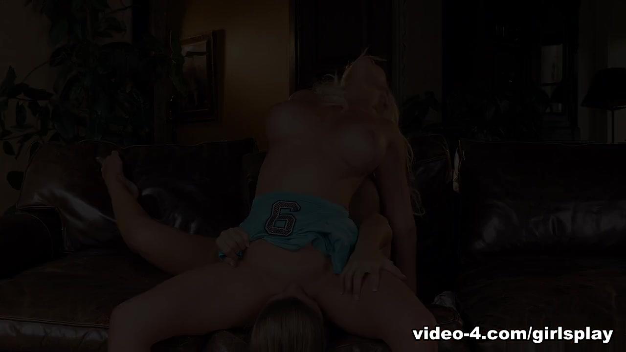 Porn FuckBook Mark hook up