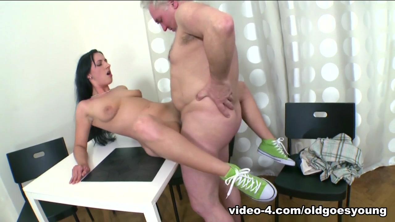 Sexy Video Heterosexual synonyms