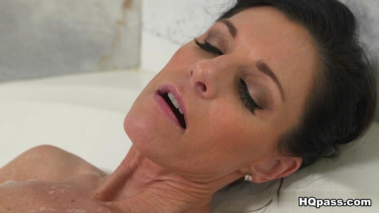 Porn masturbatian mobiles Lesbea
