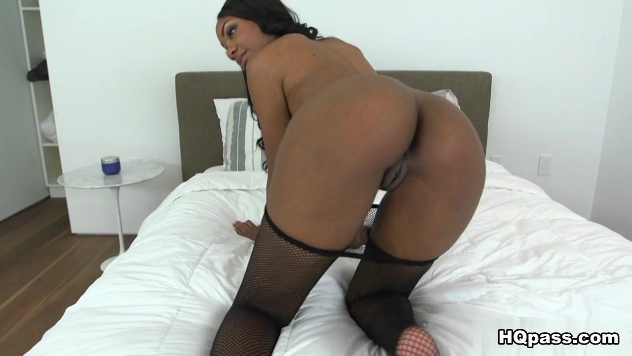 XXX Porn tube Blonde hottie gets creampie from masseur