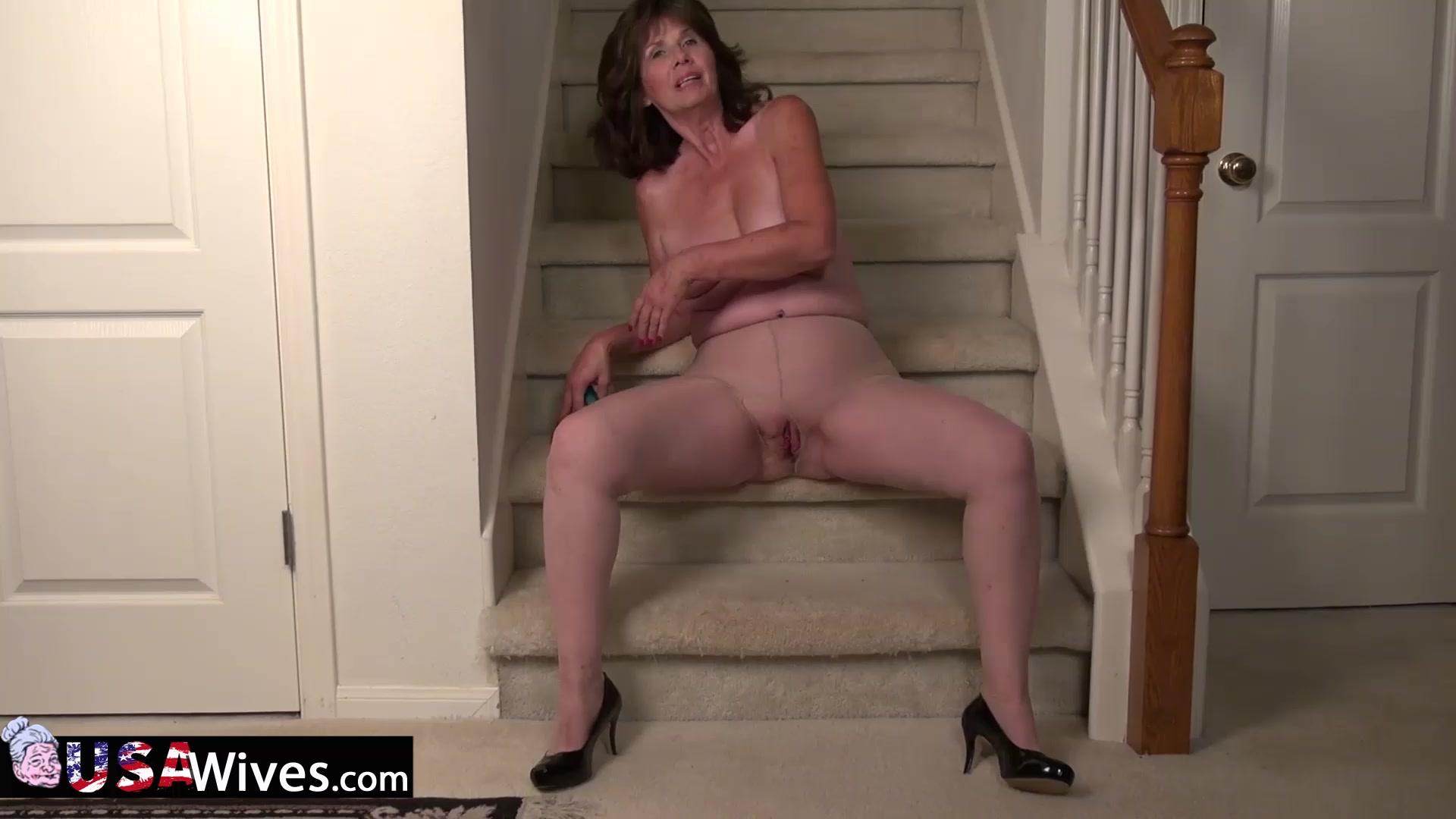 Naked FuckBook Hot milf jana cova masturbates in stockings